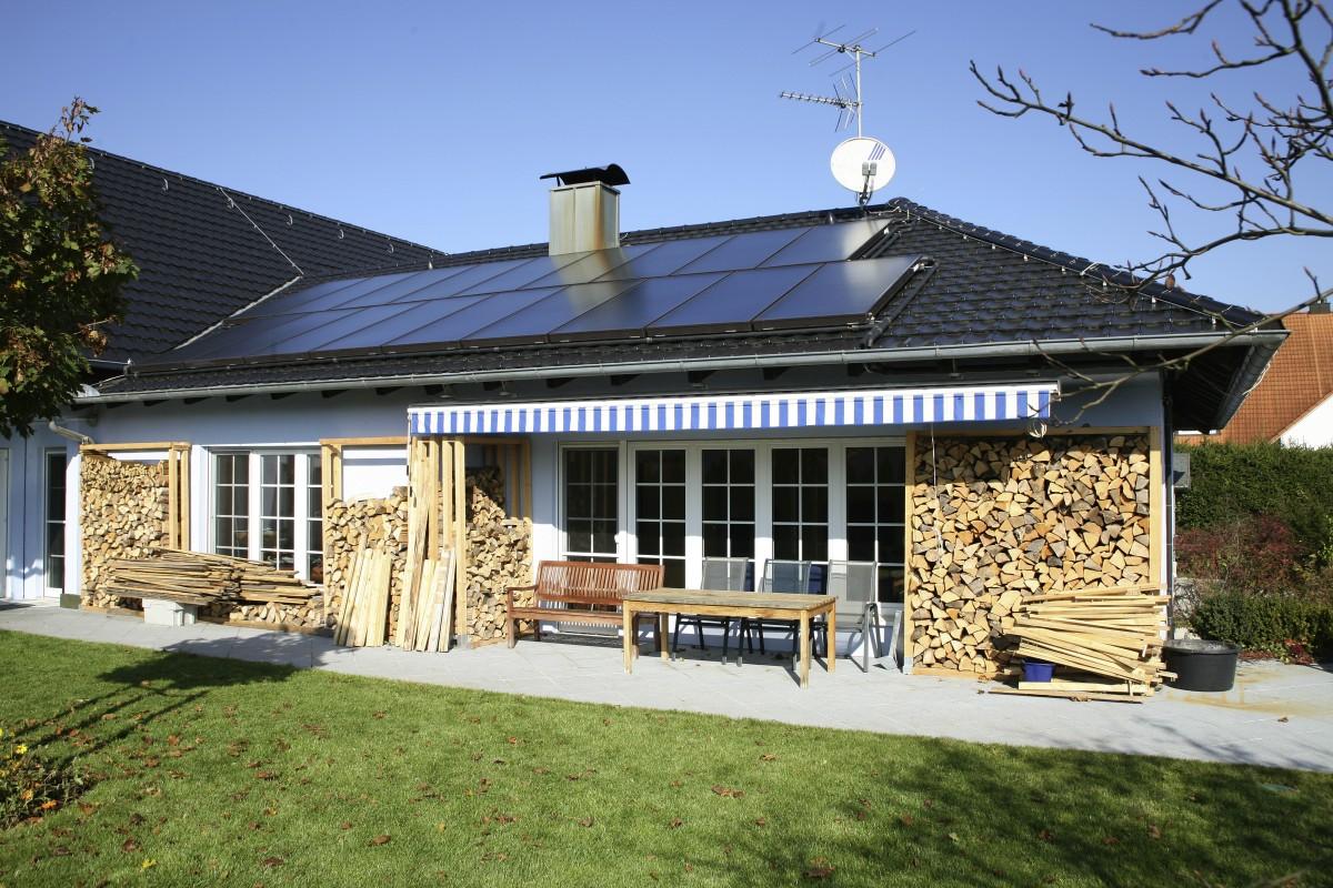 Impianto solare ternico su un'abitazione singola