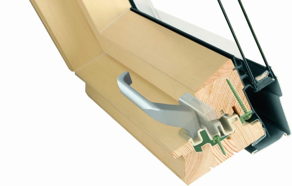 Fakro propone il sistema topSafe che aumenta la resistenza delle finestre allo scasso