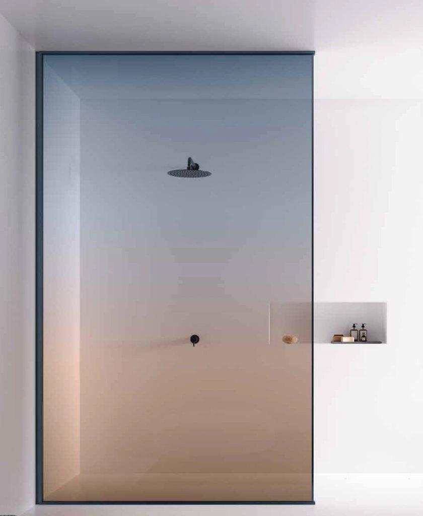 Spazio doccia inedito con il colore del cristallo Nuance