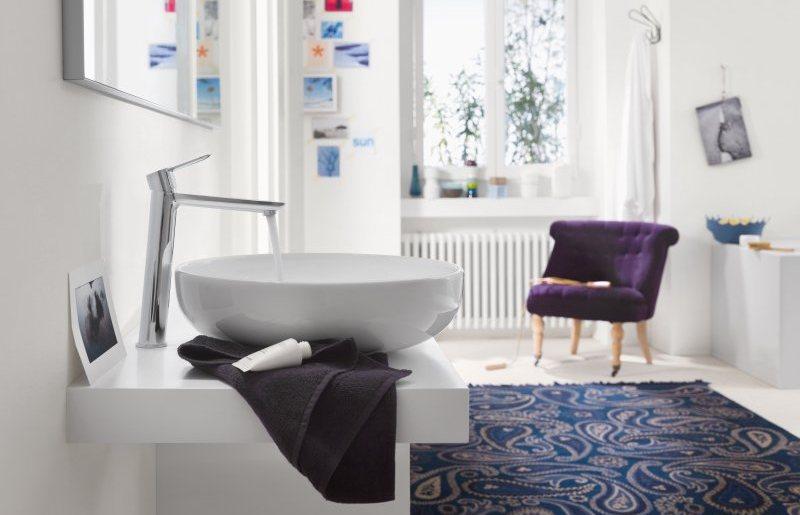 Risparmio idrico con i rubinetti touchless e i miscelatori green