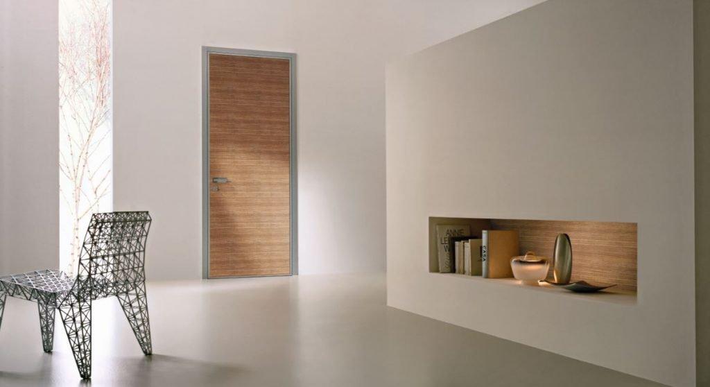 Monolite di Bauxt è una porta blindata con cerniere a scomparsa