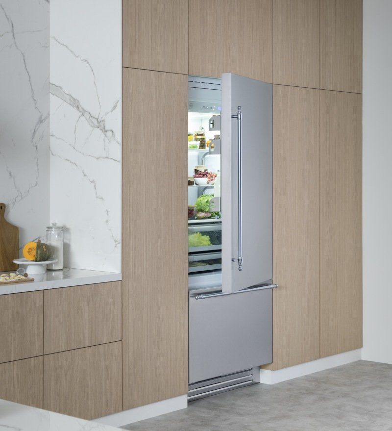 Bertazzoni elettrodomestici propone il frigorifero premium con porta in acciaio