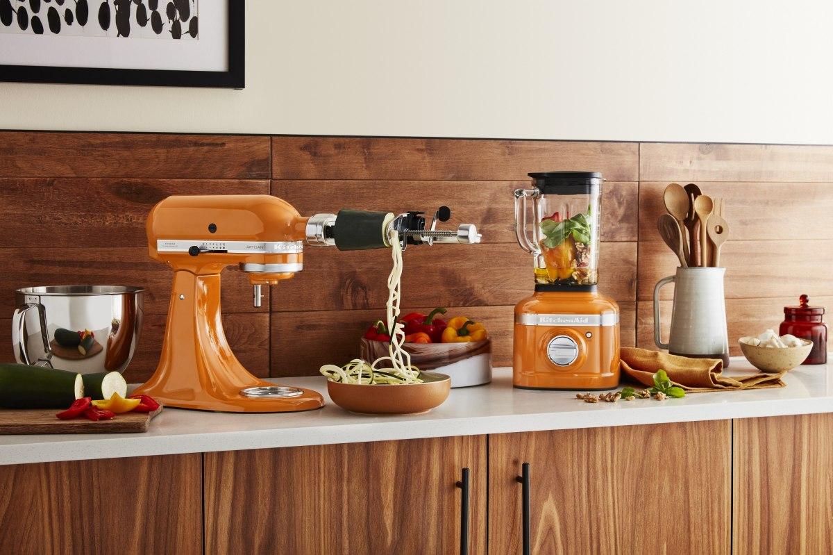 Colore in cucina con KitchenAid Robot e Frullatore HONEY