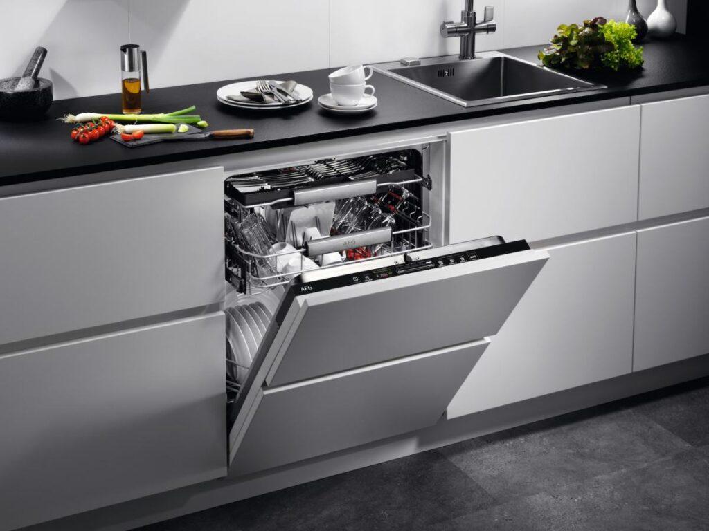Innovativo e intuitivo cruscotto a scorrimento per la lavastoviglie ProClean