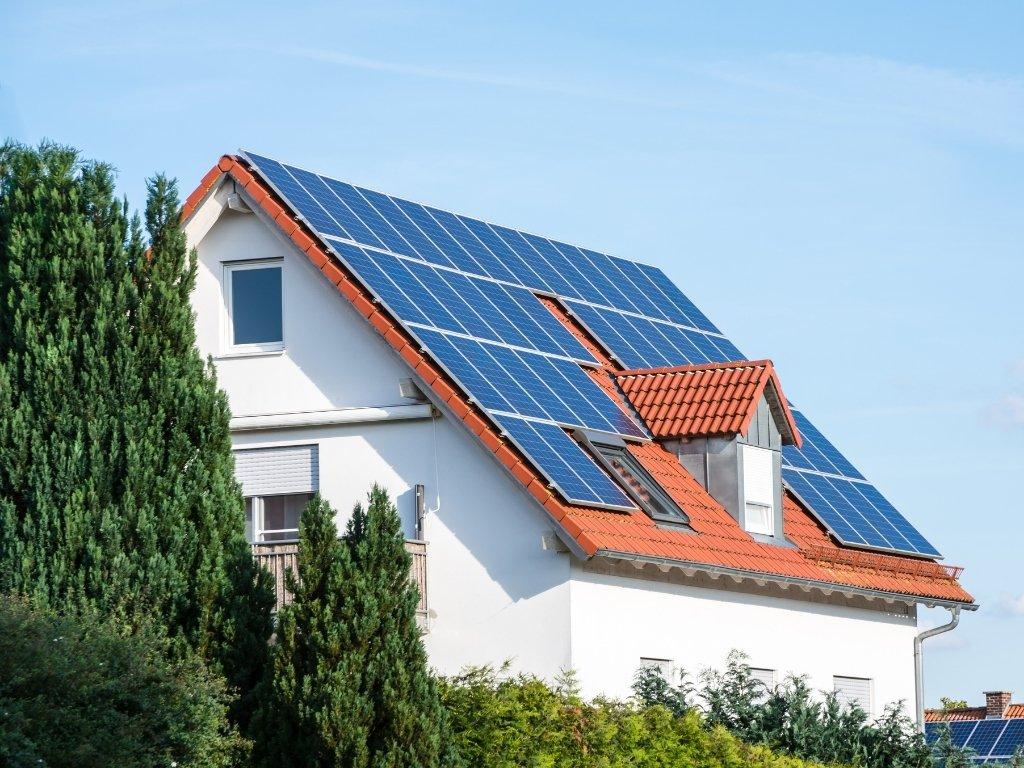 """Energia solare: quale """"tipologia"""" di fotovoltaico fa al caso tuo?"""