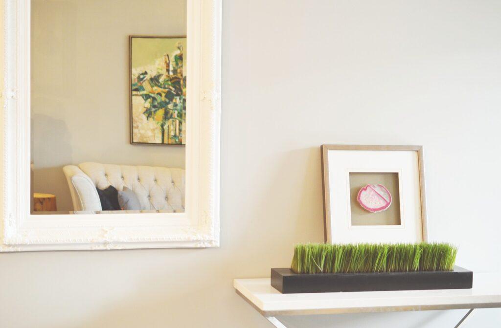 specchi per ingrandire appartamento