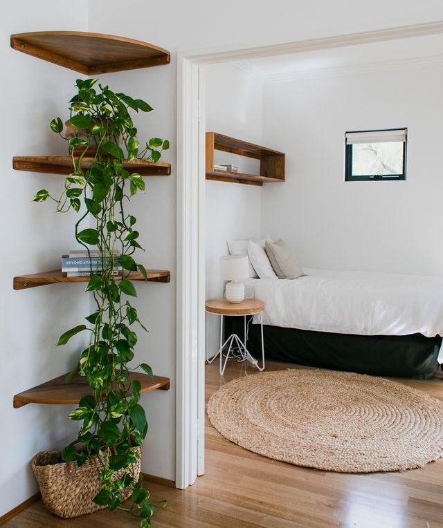 letto addossato alla parete