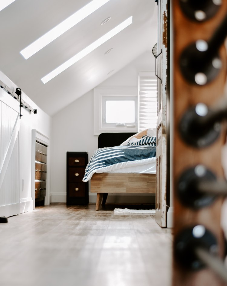 stanza da letto in mansarda
