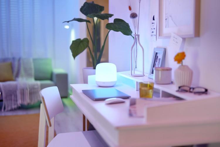 nuova lampada da tavolo WiZ Hero